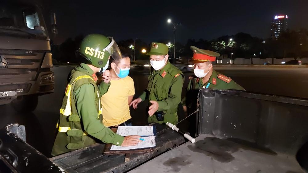 Công an Hà Nội vừa đảm bảo tuyệt đối an toàn cho Ngày bầu cử, vừa thực hiện nghiêm phòng, chống dịch