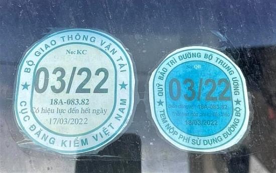 Sử dụng tem kiểm định giả 200.000 đồng, lái xe chịu phạt 10 triệu đồng