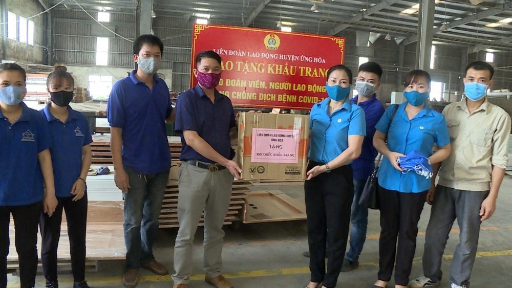 Liên đoàn Lao động huyện Ứng Hòa: Hỗ trợ kịp thời người lao động trong đại dịch Covid-19