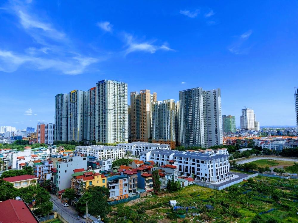 Hà Nội: Nắng nóng gay gắt kéo dài trong những ngày tới, có nơi trên 39 độ