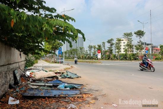 Đại lộ nghìn tỷ Chu Văn An nhếch nhác vì rác thải