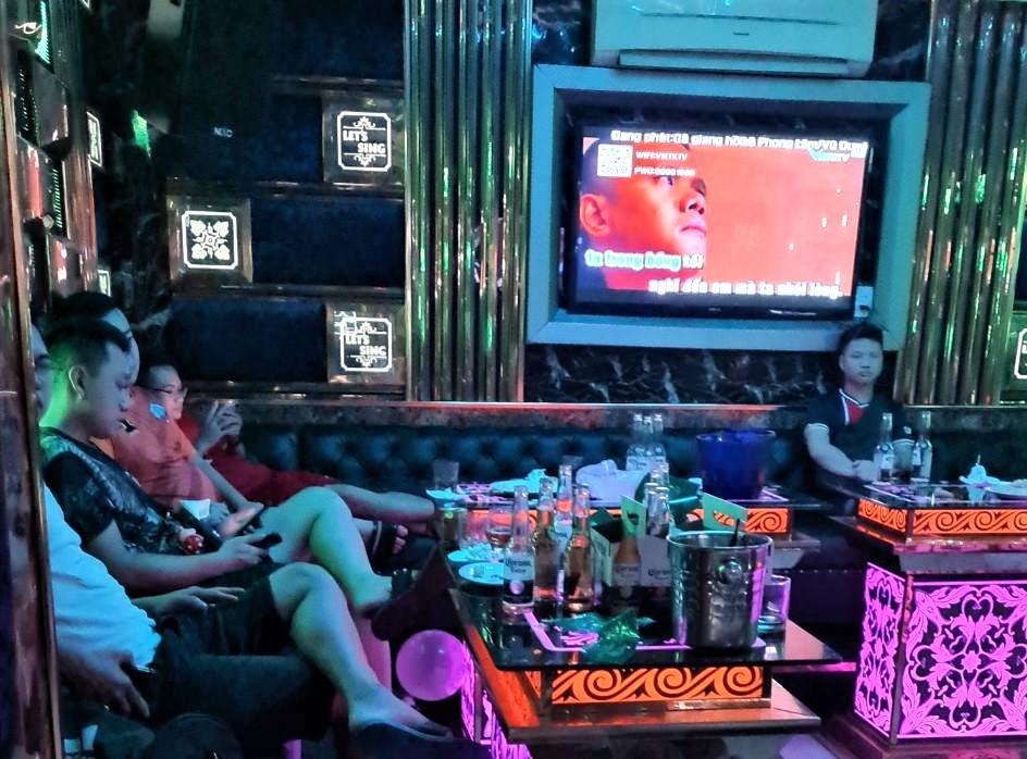 Xử phạt nghiêm quán karaoke tái diễn hoạt động chui, bất chấp lệnh cấm