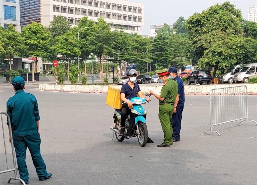 Ngày 5/8: Hà Nội xử phạt hơn 1,7 tỷ đồng các lỗi vi phạm quy định phòng, chống dịch