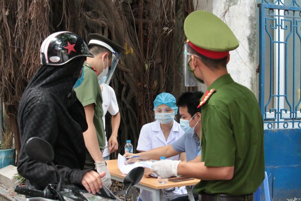 Ngày 2/8: Hà Nội xử phạt hơn 1,6 tỷ đồng các trường hợp vi phạm phòng, chống dịch Covid-19