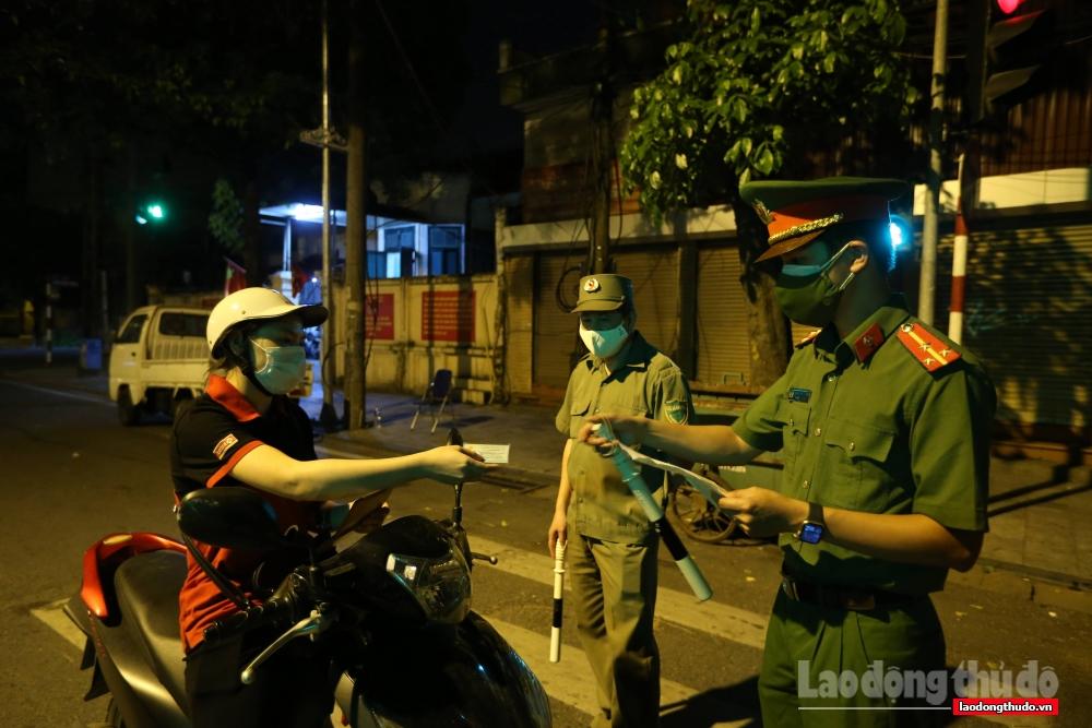 Công an nhân dân - Mũi xung kích trên tuyến đầu phòng, chống dịch Covid-19