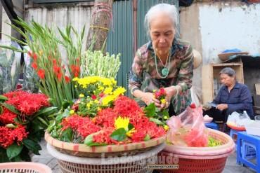 """Gánh hàng hoa """"hồn xưa"""" còn sót lại"""
