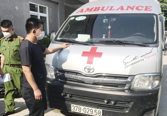 Lợi dụng xe cứu thương chở khách trái quy định vào Hà Nội, lái xe bị xử phạt 35 triệu đồng