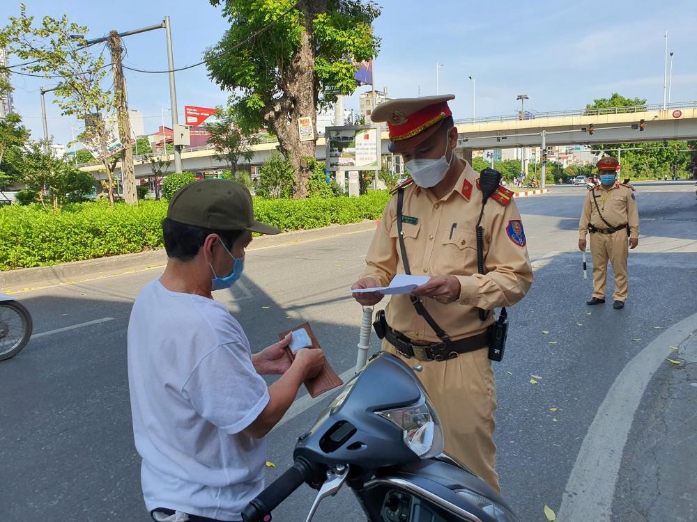 Ngày 8/8:  Hà Nội xử phạt hành chính 1.256 trường hợp vi phạm phòng, chống dịch