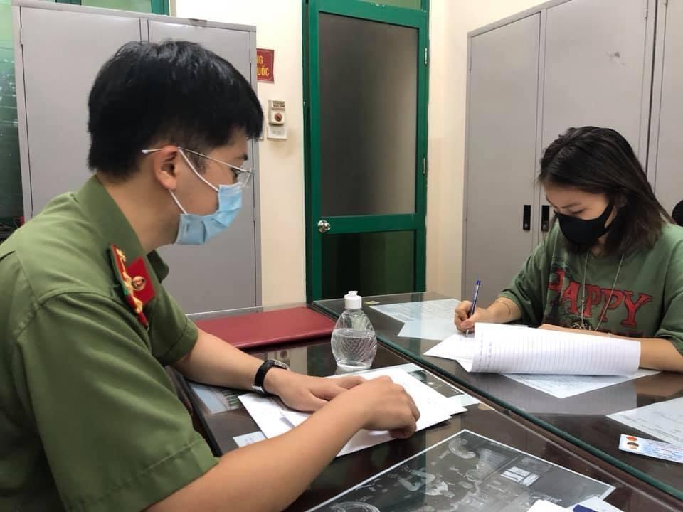 Cô gái khoe dùng thẻ đỏ của ba đi vòng quanh Hà Nội bị phạt 12,5 triệu đồng