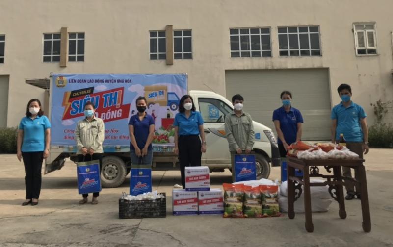 """Ứng Hòa: 134 người lao động nhận hỗ trợ từ """"Chuyến xe siêu thị 0 đồng"""""""