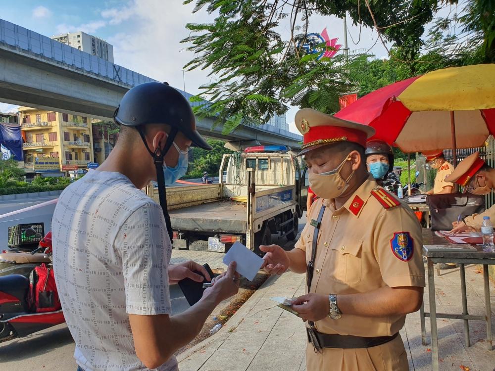 Hà Nội xử phạt hơn 900 trường hợp vi phạm công tác phòng, chống dịch