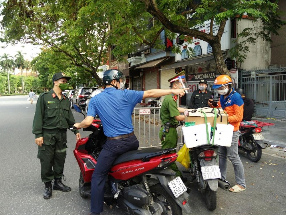 Hà Nội xử phạt 803 trường hợp vi phạm công tác phòng, chống dịch