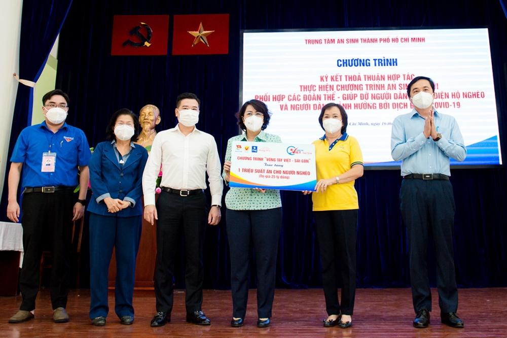 Tập đoàn Hưng Thịnh tiếp tục hỗ trợ một triệu suất ăn cho người có hoàn cảnh khó khăn