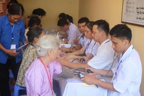Chung tay vì cộng đồng – Bảo vệ Sức khỏe Việt
