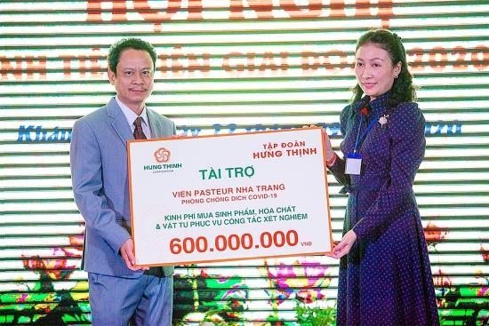 Tập đoàn Hưng Thịnh hỗ trợ 600 triệu đồng cho Viện Pasteur Nha Trang phòng chống Covid-19