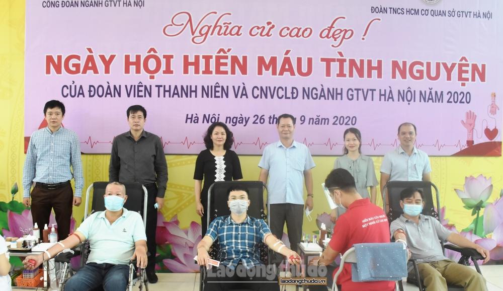 Hơn 140 đoàn viên, người lao động tham gia hiến máu tình nguyện