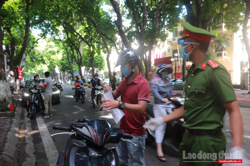 24 giờ qua, Hà Nội xử phạt 156 trường hợp vi phạm quy định phòng, chống dịch