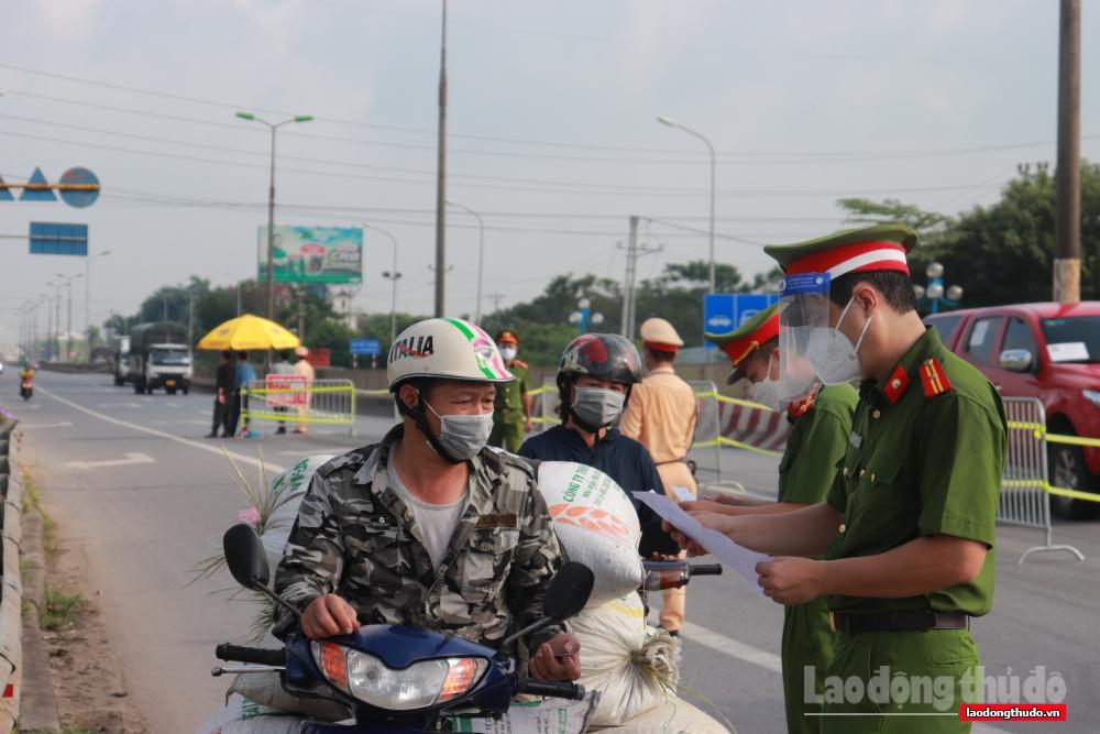 Người ngoại tỉnh muốn ra - vào Hà Nội cần những điều kiện gì?