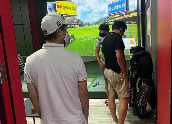 Xử phạt nhóm người tu tập chơi golf vi phạm quy định phòng, chống dịch