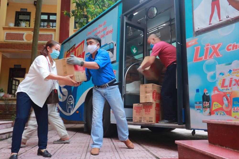 """1.000 túi """"An sinh Công đoàn"""" hỗ trợ đoàn viên, người lao động bị ảnh hưởng Covid- 19"""