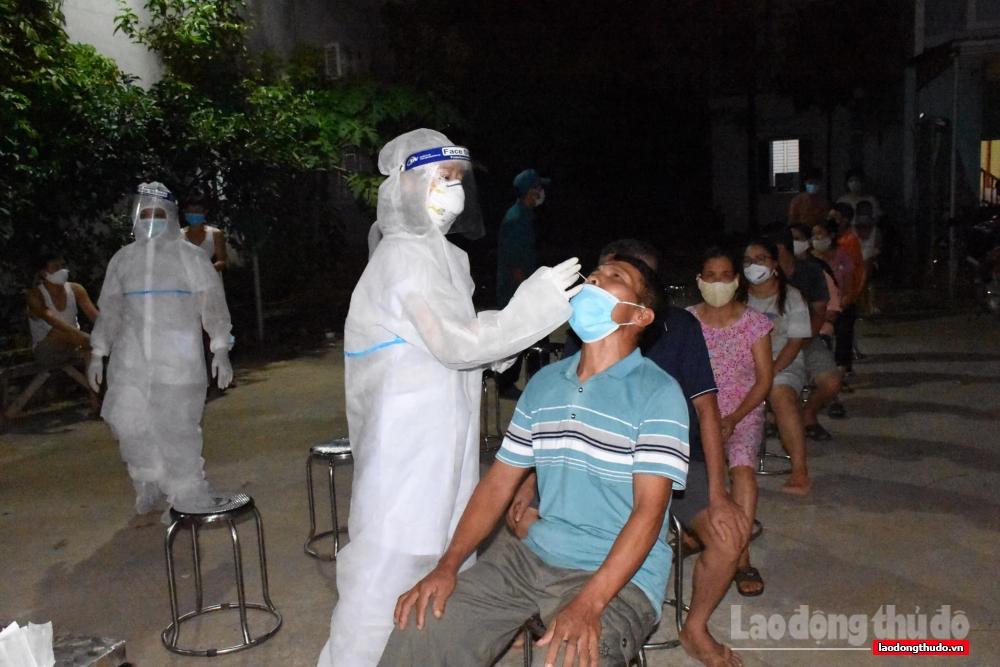 Huyện Ứng Hòa gặp mặt, chia tay đoàn cán bộ y tế tỉnh Hà Nam