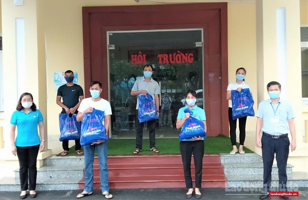 """""""Túi An sinh Công đoàn"""", ấm lòng người lao động huyện Ứng Hòa"""