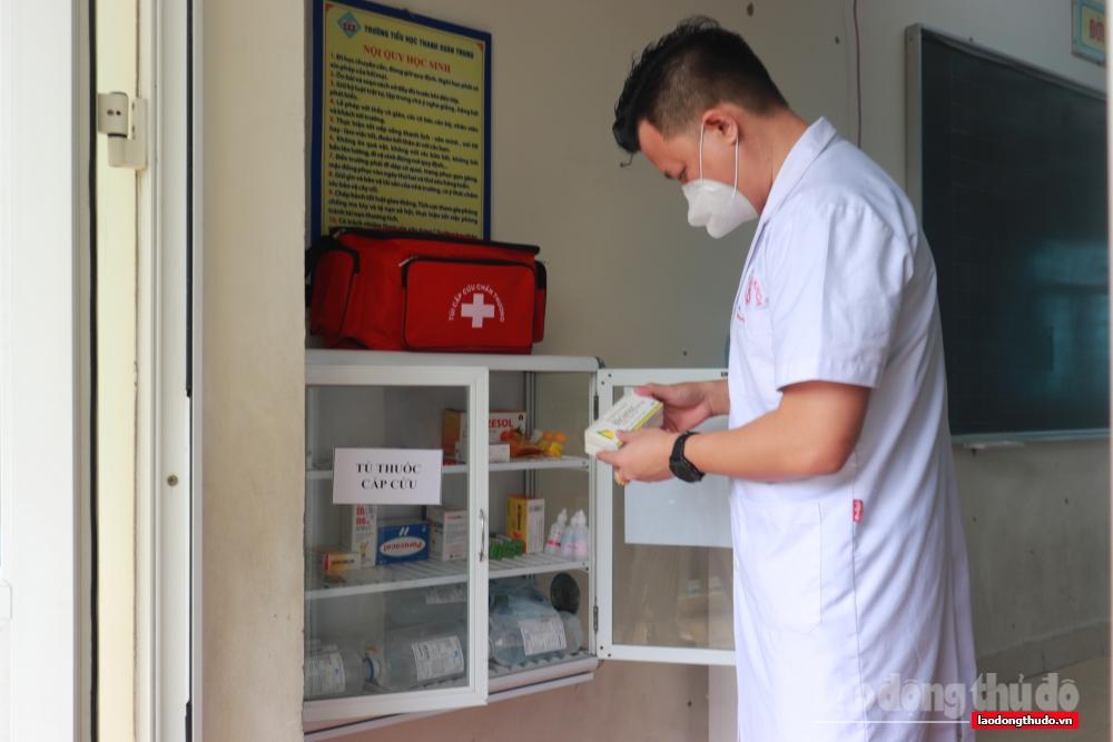Người dân an tâm vì được tiếp cận các dịch vụ y tế nhanh nhất từ Trạm Y tế lưu động