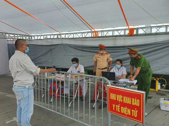 Hà Nội: Tiếp tục đẩy mạnh công tác phòng, chống dịch, đảm bảo an sinh xã hội