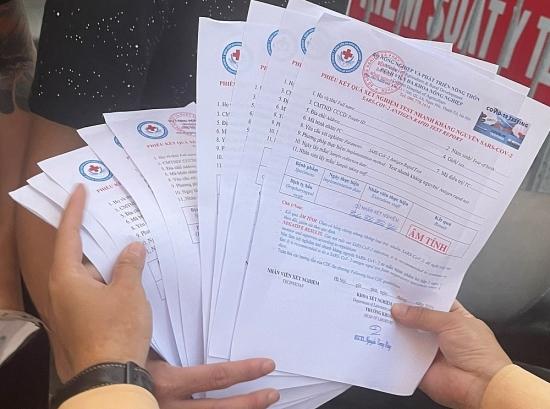 Chốt kiểm soát dịch phát hiện 4 thanh niên mang theo 10 giấy test nhanh âm tính ký khống