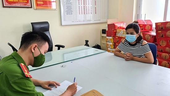 Khởi tố nữ kế toán giả chữ ký giám đốc cấp giấy đi đường thu 1 triệu đồng/trường hợp