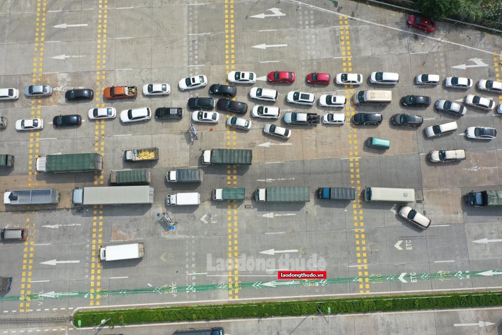Ảnh: Cao tốc Pháp Vân - Cầu Giẽ trong những ngày đầu thu phí trở lại