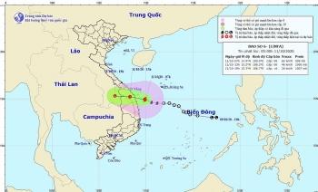 Bão số 6 giật cấp 10, đổ bộ miền Trung gây mưa lũ phức tạp