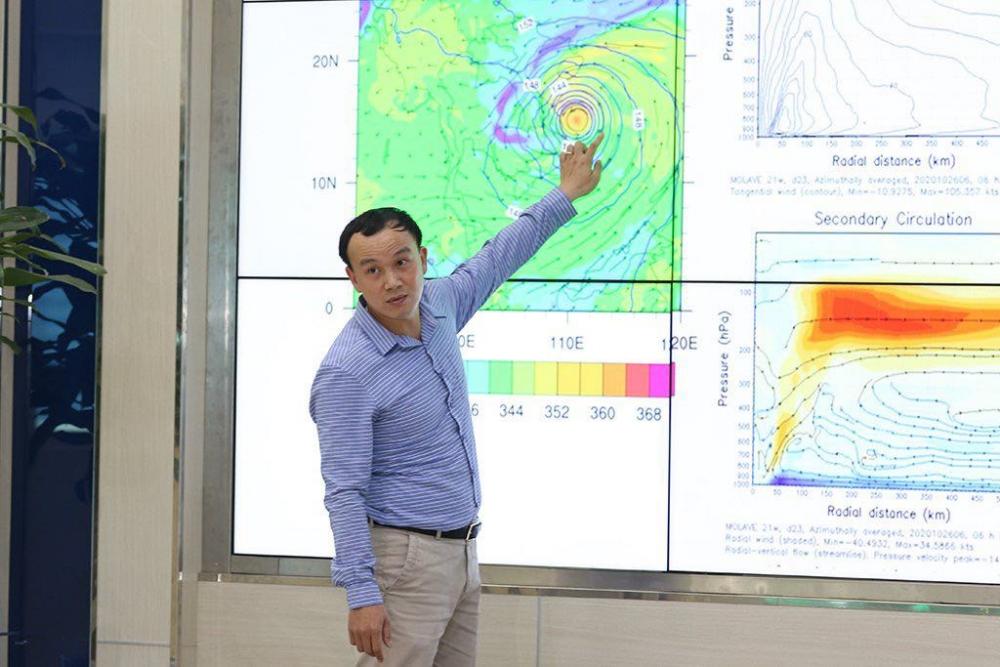 """Bão số 9: """"Không có cơ may nào cho thấy bão sẽ suy yếu hơn cường độ dự báo khi vào đất liền"""""""