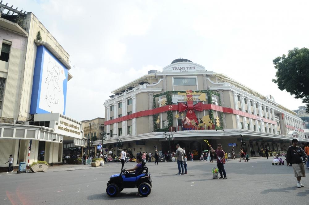 """Giáng sinh 2020 những điểm """"check in"""" không thể bỏ qua tại Hà Nội"""