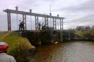 Phát hiện thi thể 2 nữ sinh trôi trên sông