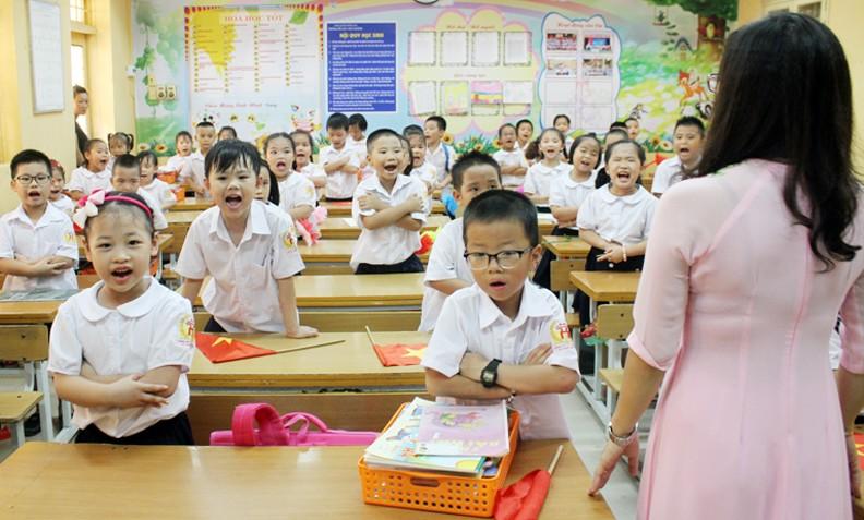 Đề xuất giáo viên được trả lương, phụ cấp và miễn học phí khi nâng chuẩn