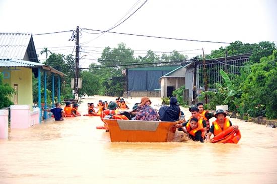 Tình quân - dân trong bão lũ