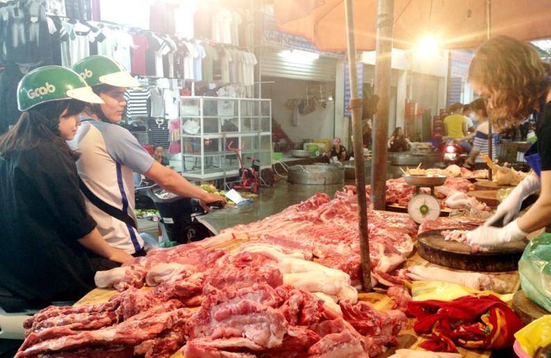 Mất cân đối cung - cầu khiến giá thịt lợn tăng cao