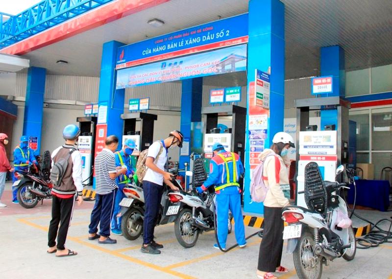 Tích trữ xăng, dầu coi chừng bị xử lý hình sự