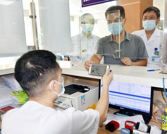 Sử dụng ứng dụng VssID để đi khám chữa bệnh: Đơn giản, nhanh gọn, thuận tiện cho mọi đối tượng