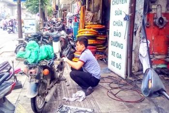 Kiểm soát khí thải từ xe máy: Nhiều lợi ích sao vẫn khó triển khai?
