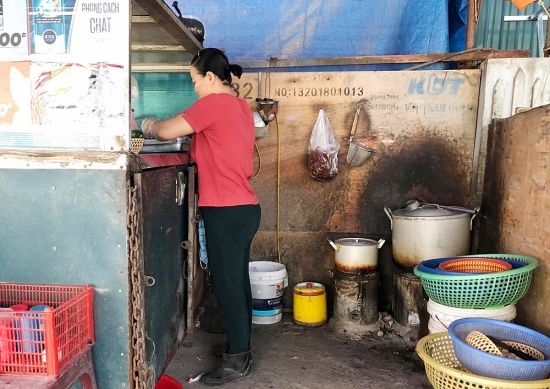 Xoá bỏ bếp than tổ ong, chính quyền cần quyết liệt hơn nữa