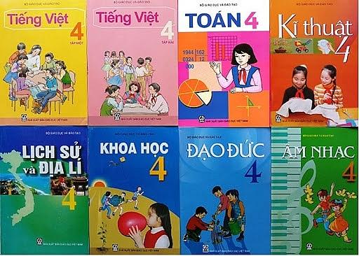 Nên có cuộc tổng rà soát sách giáo khoa