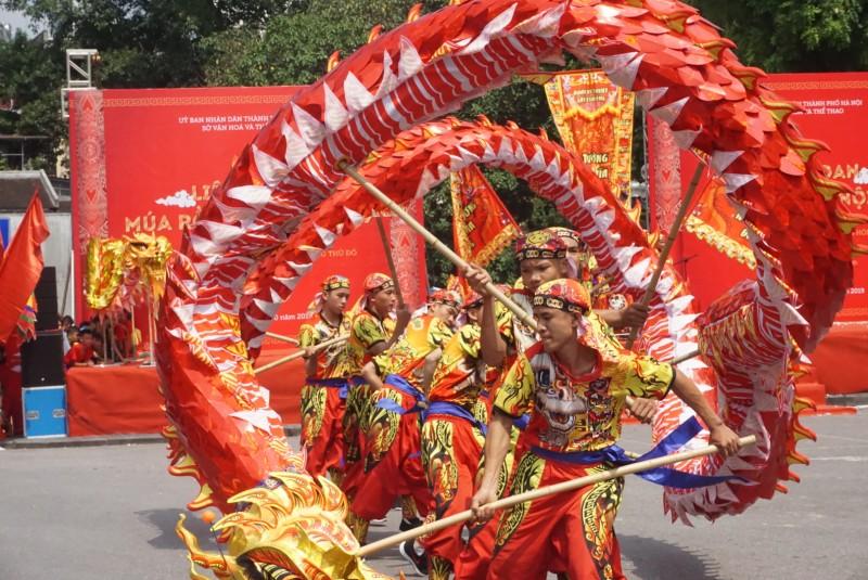 Bừng sáng tinh hoa văn hóa múa rồng của Thủ đô
