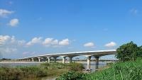 Thi công bù lún trên tuyến cao tốc Đà Nẵng – Quảng Ngãi
