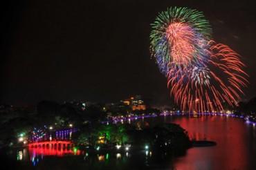 Rung chuông đồng loạt để chào đón năm mới