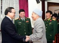 Bí thư Thành ủy Hoàng Trung Hải thăm, chúc Tết các vị tướng lĩnh quân đội