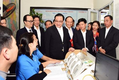 Bí thư Thành ủy Hoàng Trung Hải thăm, chúc tết tại Trung tâm Cấp cứu 115