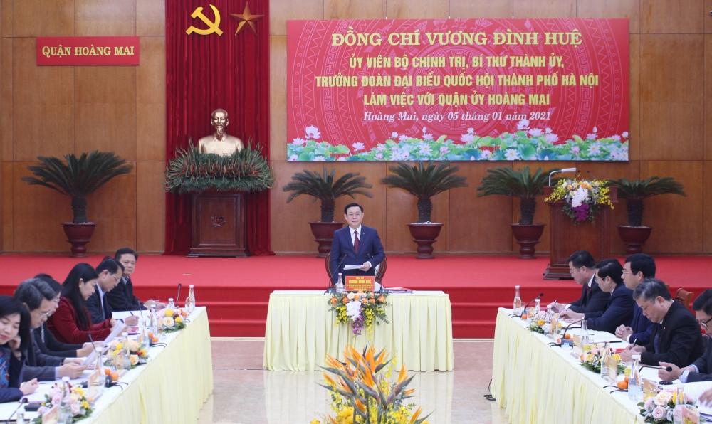 Bí thư Thành ủy Hà Nội Vương Đình Huệ làm việc với Quận ủy Hoàng Mai