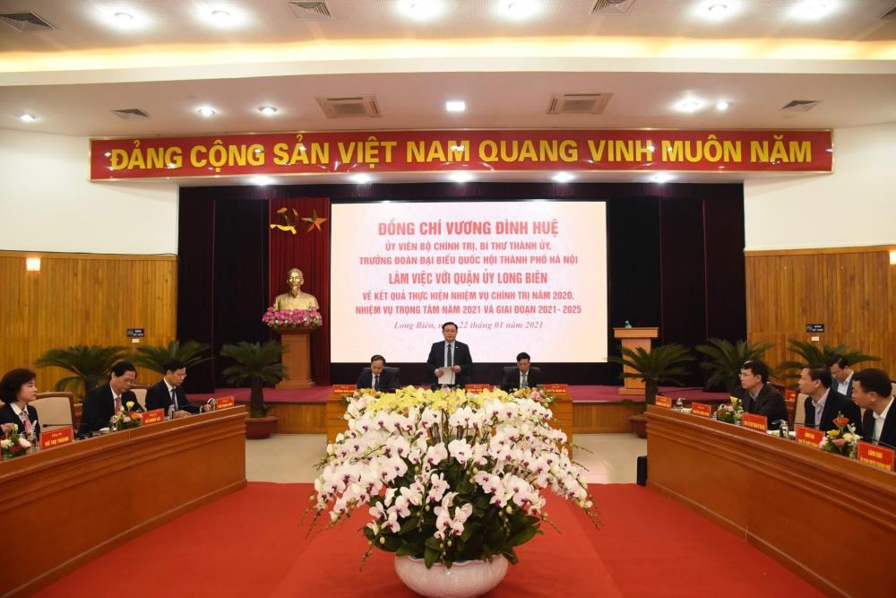 Bí thư Thành ủy Hà Nội Vương Đình Huệ làm việc với quận Long Biên
